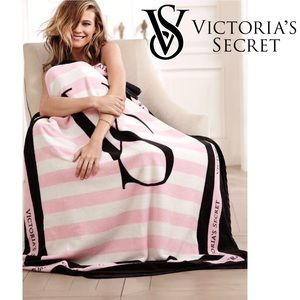 Victoria's Secret Microfleece Blanket